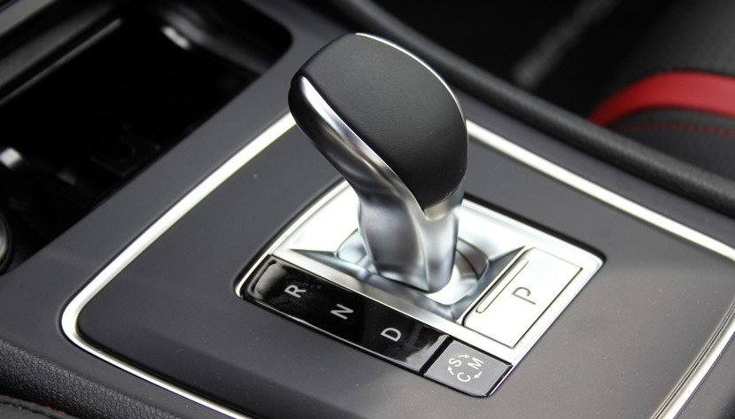 cambio-automatico-mercedes-9-velocidades-2-e1449663159688